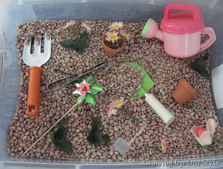 Sensory bin gardening theme  I want to have at least one sensory bin a month next year since the kids loved the few I did this past year.