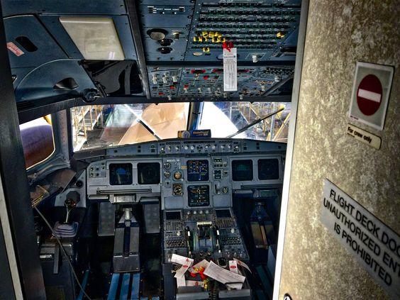 United Airlines Airbus 320 SFO 2015