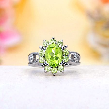 Peridot Ring I like the color of it