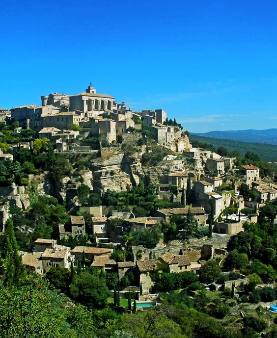 Gordes, a charming hilltop town in Provence