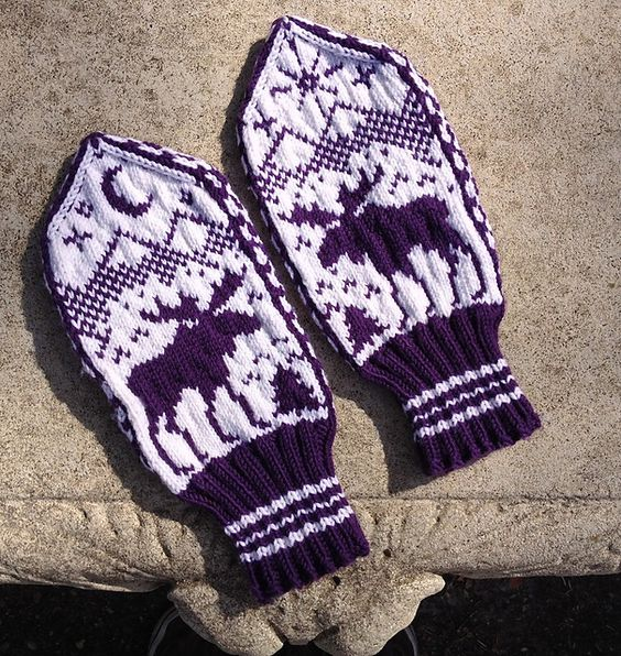 Moose Knitting Pattern : Moose Mittens   a free knitting pattern by Brian Nelson. knitted Pinteres...