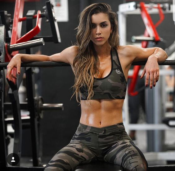 These camo workout clothes make cute workout outfits!
