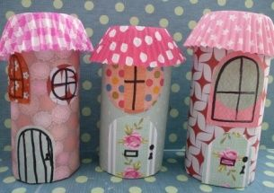 How to make model fairy houses. Transform a boring old toilet roll into a pretty fairy house. A quick and easy craft for kids.