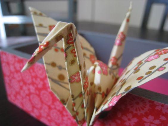 tuto vid o guirlande de grues en origami avec les papiers d 39 adeline klam origami et petits. Black Bedroom Furniture Sets. Home Design Ideas