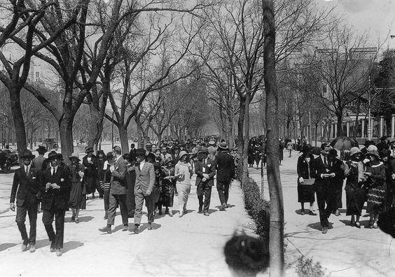 Paseo de la Castellana (1930).