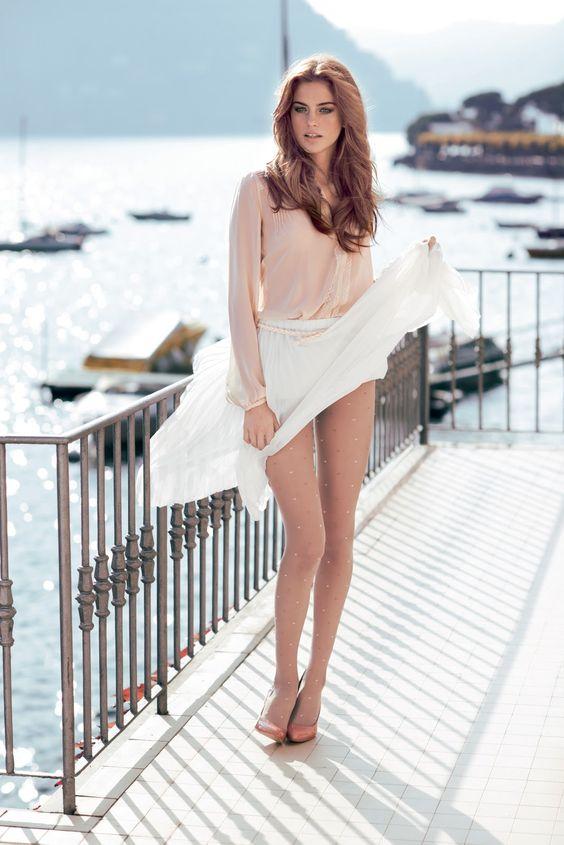 Une bonne photo d'Alejandra Alonso au bord de l'eau, c'est quand même beau.