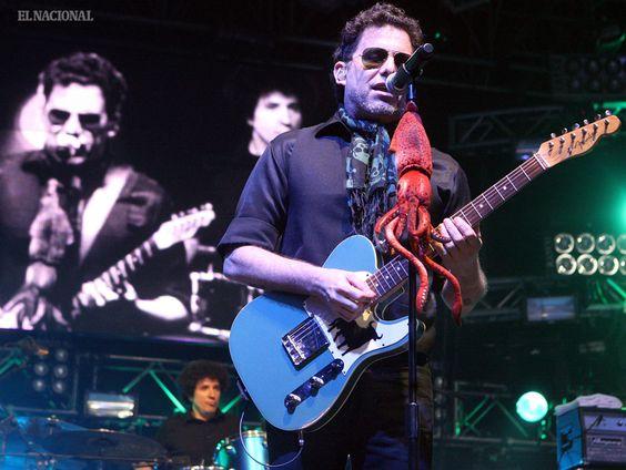 Andrés Calamaro, cantante argentino, durante concierto en la Universidad Metropolitana; como parte de su gira On the Rock. Caracas, 09-07-2010 (WILLIAMS MARRERO / EL NACIONAL)