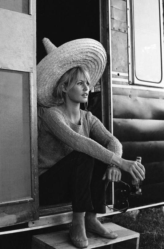 Brigitte Bardot durante la filmación shooting en Cuautla, Morelos, México en 1965 .