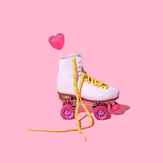 Rollin' into the weekend like... / Violet Tinder Studios