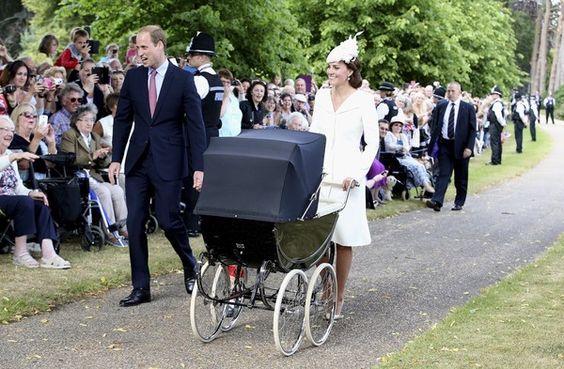 [写真特集]シャーロット英王女が洗礼式…笑顔のロイヤルファミリー