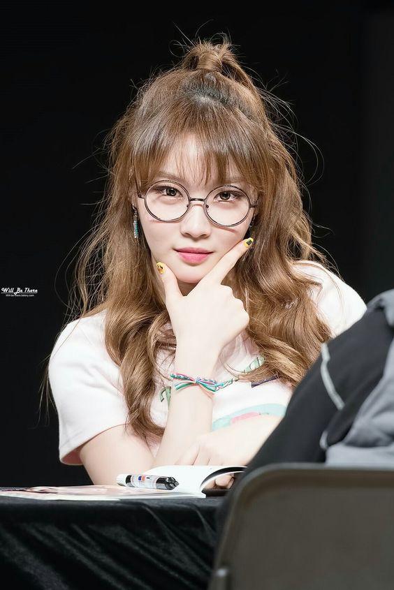 Tổng hợp những kiểu tóc xoăn ngắn chuẩn sao Hàn Kim Chungha