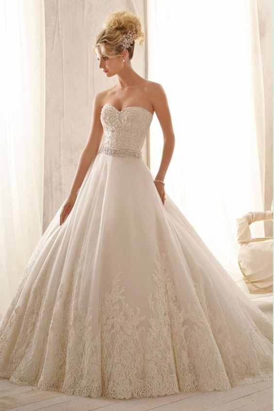2014 High Quality Beaded Lace Bodice And Waistline Princess Wedding Dress Tulle Skirt With Lace Edge USD 279.99 LCPB9ZDZYA at PromSelling.com