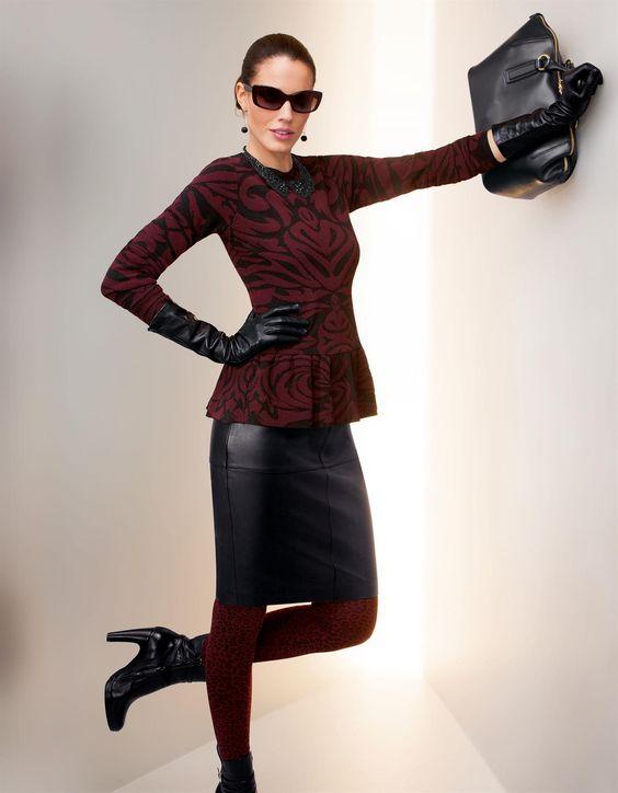 Jacquard-Pullover mit Schösschen in der Farbe bordeaux - rot, schwarz - im Madeleine Mode Onlineshop
