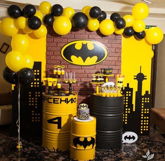 Como decorar mesa de postres de batman con globos, decoracion de batman fiesta infantil, adornos de batman para cumpleaños, fiesta de batman manualidades, decoracion de batman para cumple, como decorar una fiesta de batman, adornos de mesa batman decoracion de batman y superman, centros de mesa de batman, decoracion con globos gigantes, pilares de globos, como decorar la mesa principal con globos, centros de mesa con globos, fiesta de batman, batman party #fiestabatman