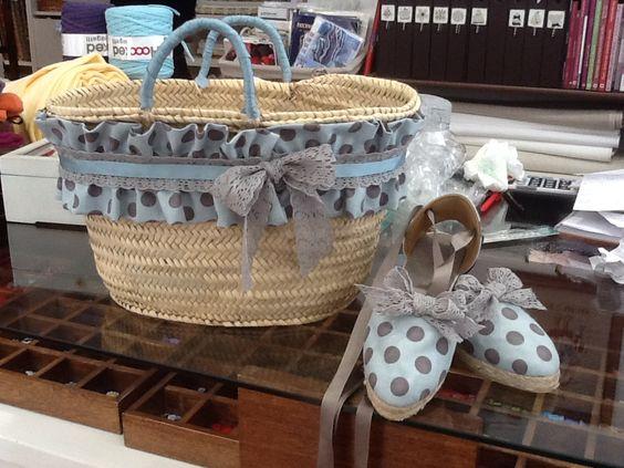 Capazo y zapatillas cestas pinterest hijos verano y - Capazos de mimbre decorados ...