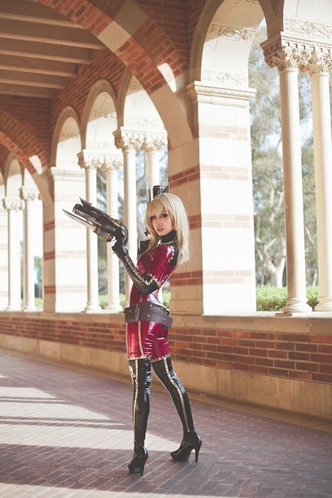 Anime: Captain Harlock Space Pirate. Character: Kei Yuki . Cosplayer: DollyLollipop 'aka' ShineDoll (US). Event: Anime Los Angeles 2014. Photo: Aileen Luib.