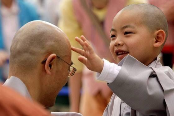 El hombre noble conserva durante toda su vida la ingenuidad e inocencia propias de la infancia. Confucio