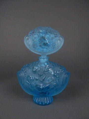 Large blue glass perfume bottle signed R. Lalique : Lot 6