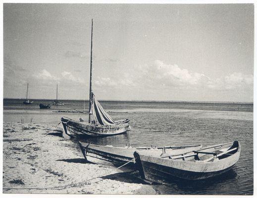 Frische Nehrung, Fischerboote am Strand (westlich Neutief)