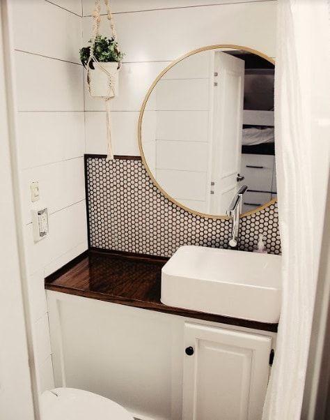 41 Bathroom Makeover On A Budget For Your Camper Avec Images