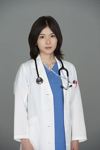 医者役の松岡茉優