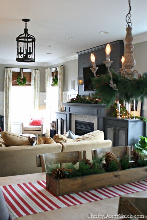 A christmas holiday home tour by thrifty decor chick you for Thrifty decor