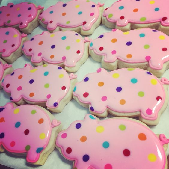 Rainbow polka dotted pig cookies by Hayleycakes and cookies