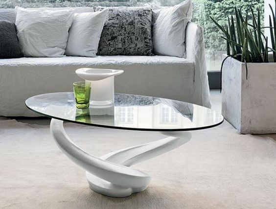 Stylish and contemporary oval glass coffee table with choice of white or grey…