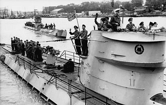 German submarine U-454