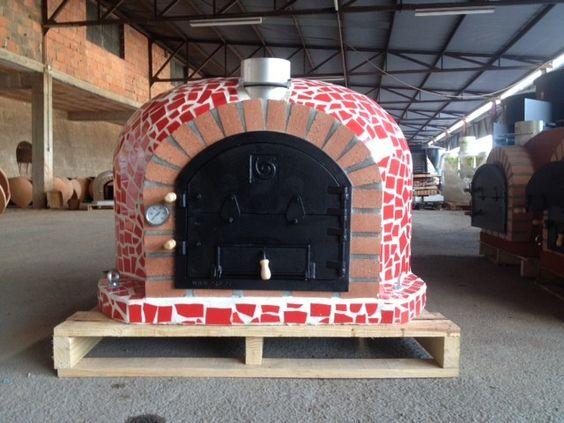 Outdoor pizza oven with ceramic tiles and cast iron door for Door 2 door pizza