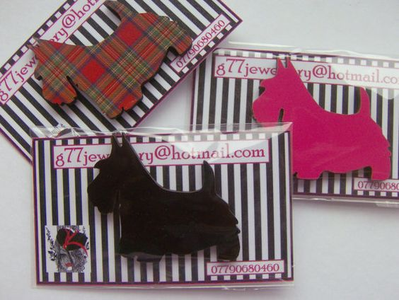Gifts under a tenner tartan scotty dog brooch