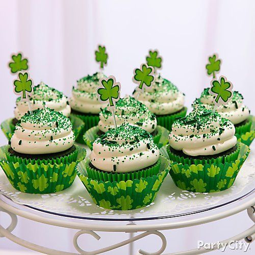 St. Patrick's Day Desserts Ideas  | Party City