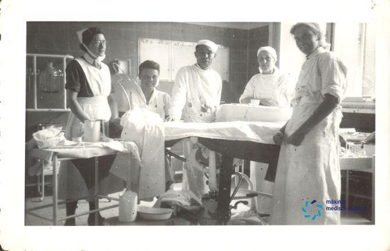 De operatiekamer Parklaan Diaconessenhuis Eindhoven in 1947 #nurses #nurse #verpleegster #verpleegkundige #hospital #ziekenhuis
