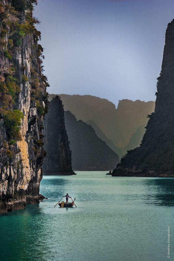 Три тысячи островов бухты Халонг