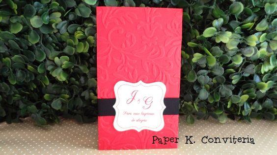 Envelope texturizado com lenços de papel para distrubuir no casamento. Tag personalizada !