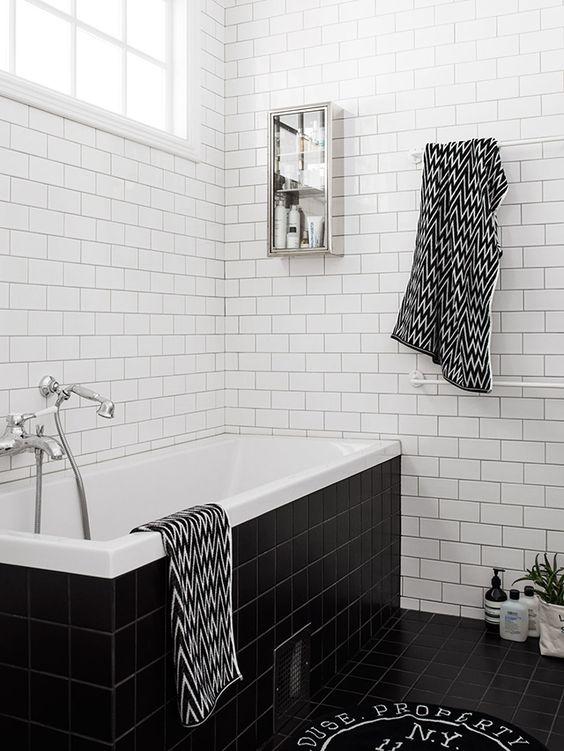 weiße u-bahn fliesen bad | möbelideen - Badezimmer Klinker