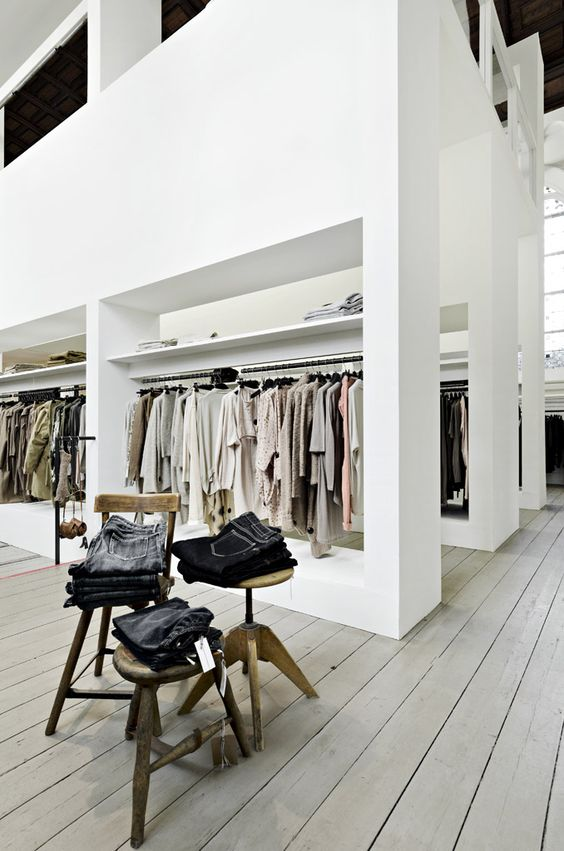 Retail design shop design fashion store interior fashion shops humanoid shop arnhem for Fashion retail interior design