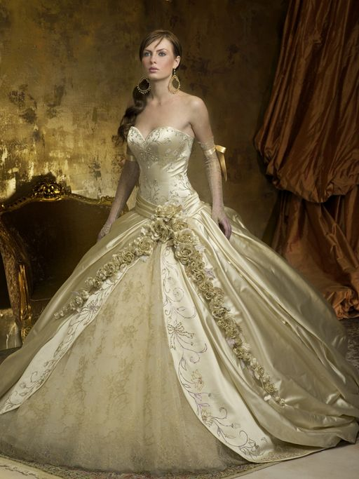 Kleinfeld 39 S Most Expensive Pnina Tornai Gown Ever Pnina