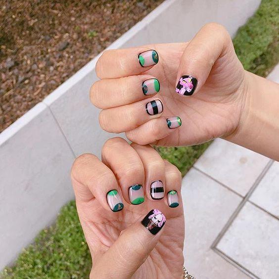 #20160622 #어벤져스네일 로 넘나 인기 많았던 시스루아트 #끼네일 과 핑크팬더의 만남 . #핑크팬더 와 형사 아저씨 #캐릭터네일 이지만 #시크하게 #시크네일 #핑크팬더네일#pinkpanther #notd #nails #nailart #gelnails #캐릭터네일#시크네일