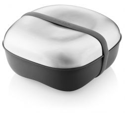 Like the rounded design of this lunch box by Eva Solo.