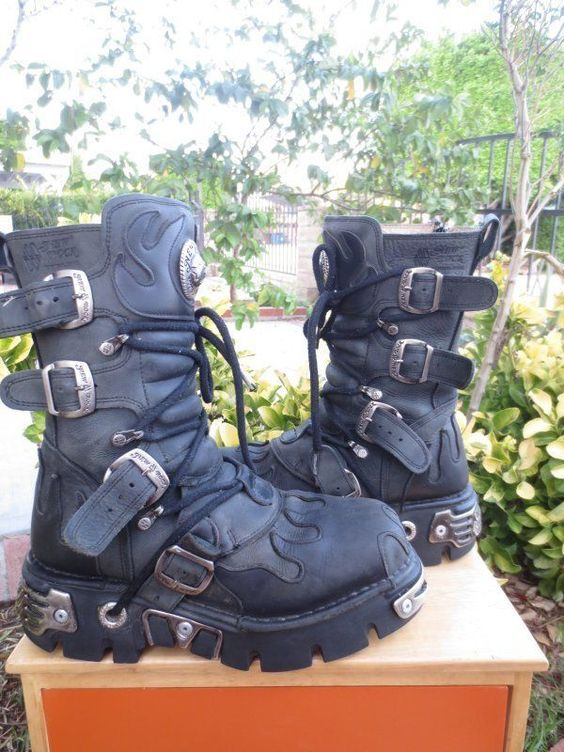 NEW ROCK REACTOR SZ 41C /8 MEN/ WOMEN 10  BLACK DISTRESS LEATHER PUNK ROCK GOTHI