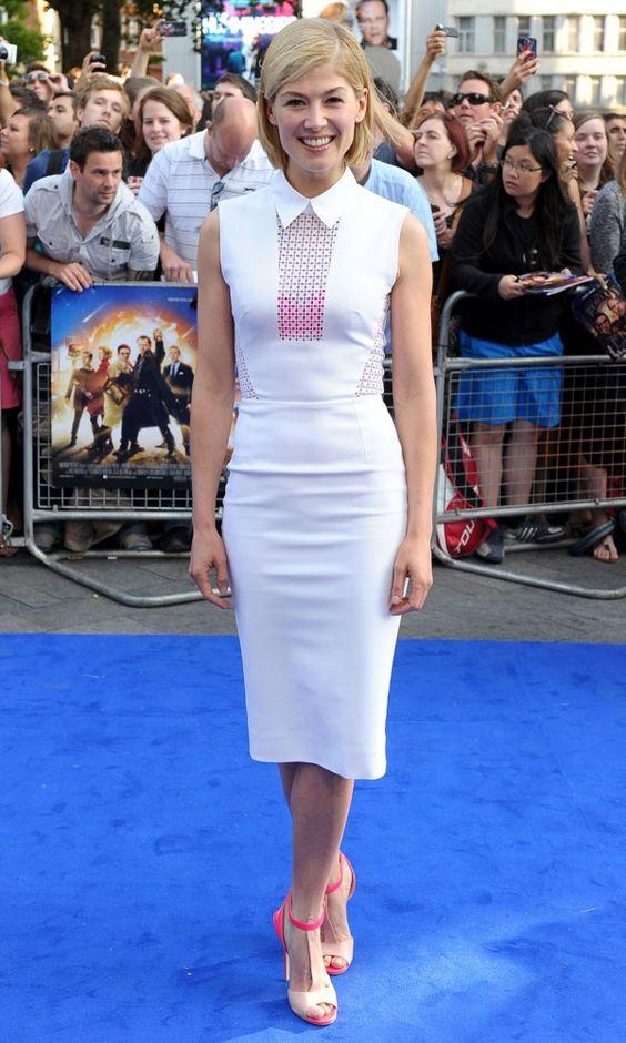 Rosamund Pike In Victoria Beckham dress at the World's End premiere