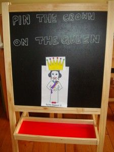 pin the crown on the queen