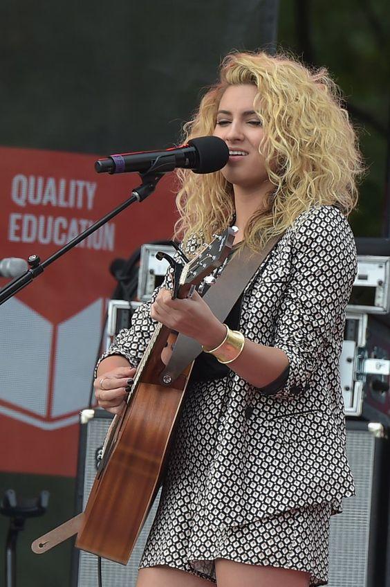 Pin for Later: Beyoncé und Ed Sheeran's Duett ist das beste, was ihr am Montagmorgen zu hören bekommt Tori Kelly