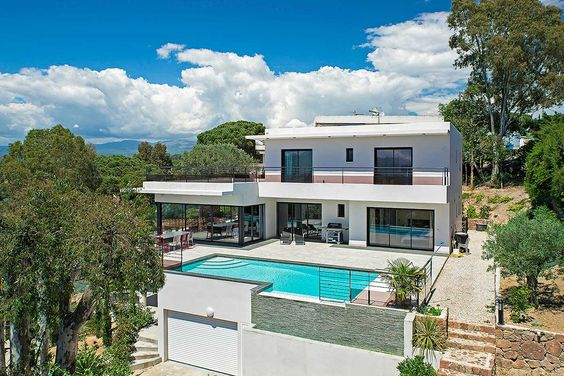 Timeless glamour of Cannes at Croix-des-Gardes Villa.
