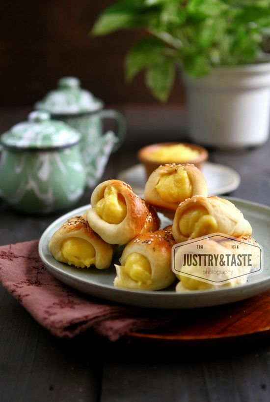 Roti Cone Isi Custard Markisa Cone Bread With Passion Fruit Custard Resep Roti Rotis Makanan Dan Minuman