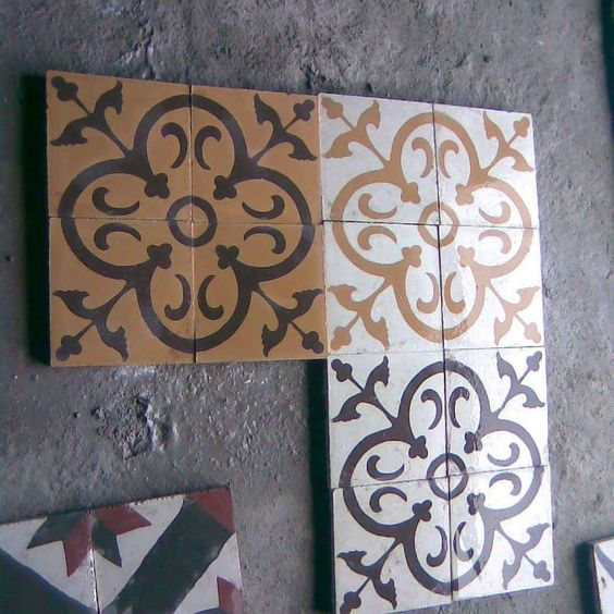 #tile #tiles #karo #yerkarosu #desenliçinikaro #antikçini #desenlikarolar #desenliçinikaro#çesitçesit#rengarenk #decor #decoración #carrelage #floor #floortiles #floorcore #tileaddiction #tileporn #tiling #cementiles #patterned by ant_karo