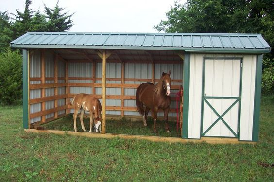 Simple, Economical, Budget-priced portable Horse Shelter, Run-in Shed with feed room attached