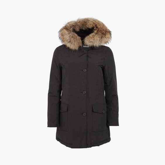 Parka boutonnée capuche fourrure - @woolrichinc  #LeBonMarche #tendance #trend #confort #zone #clothes #fashion #mode #vetements #style #outfit #women #femme #manteau #coat #fourrure