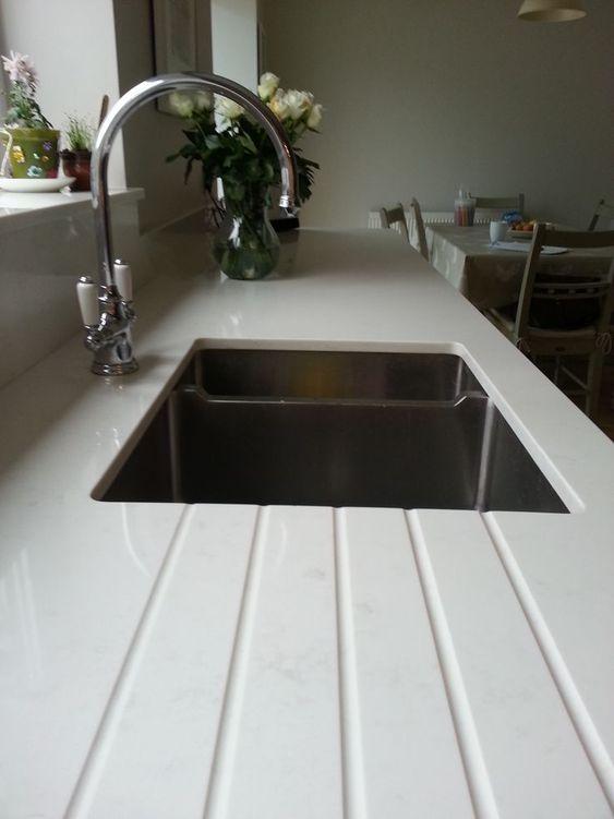 25+ parasta ideaa Pinterestissä Quarzstein arbeitsplatte Küche - quarzstein badezimmer